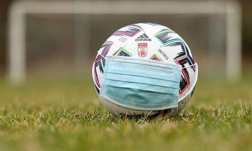 SOCCER - Official League Ball
