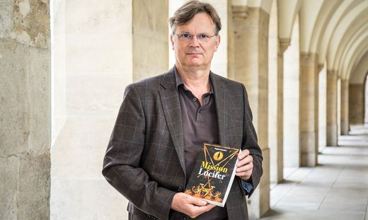 """""""Eine Mischung aus Wirklichem und Erdachtem"""", sagt Lattacher sei sein neuer Roman"""