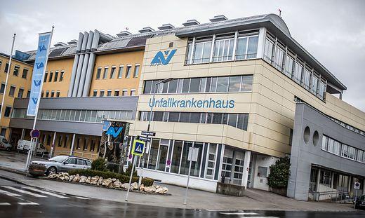 Der Schüler wurde ins UKH Klagenfurt gebracht