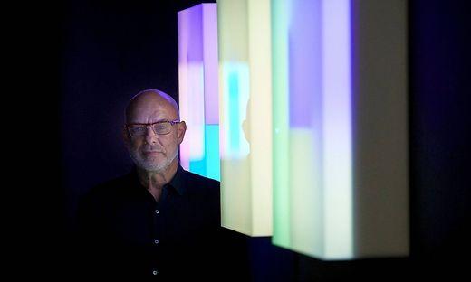"""Der """"Nicht-Musiker"""" und Multimedia-Künstler Brian Eno"""