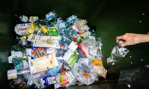 Greenpeace: Diese Firmen machen den meisten Plastikmüll