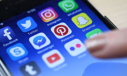 Facebook will alle Betroffenen des Datenskandals informieren