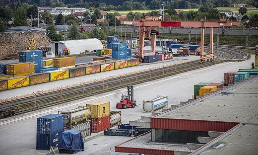 """In der Nähe des Verschubbahnhofs in Fürnitz soll in Villach-Federaun das Logistikzentrum """"Alplog Nord"""" entstehen"""