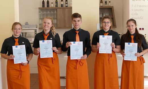 Fünf Schüler der HLW Krieglach absolvierten die Ausbildung zum Jungsomelier