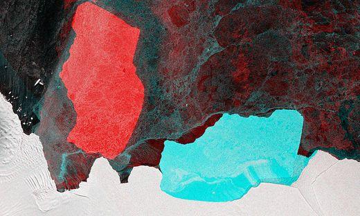 D28 - rot seine einstige Position, blau seine aktuelle Lage