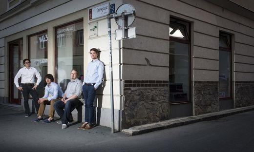 Christian Reschreiter, Matthias Gumhalter, Albert Erjavec und Jan Ries: Der Architekturpreis des Landes Steiermark 2021 geht an das Architekturbüro 'studio WG3' für die Gestaltung des 'Graz Museum Schloßberg'.