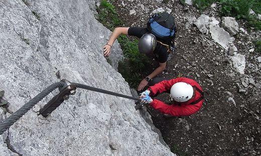 Klettersteig Eisenerz : Kaiserschild klettersteig in eisenerz youtube
