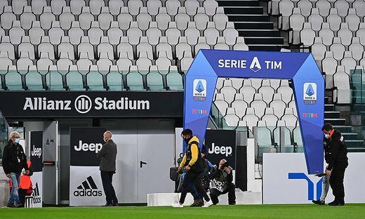 Juventus wartete, Napoli durfte nicht anreisen