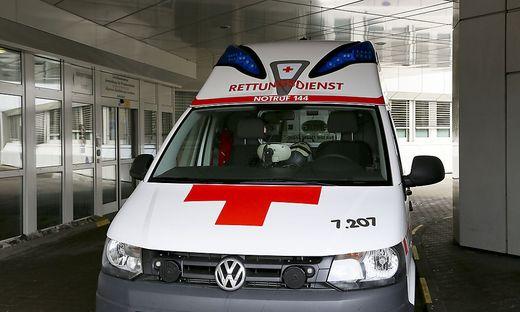 Der verletzte Radfahrer wurde mit der Rettung ins LKH Villach gebracht