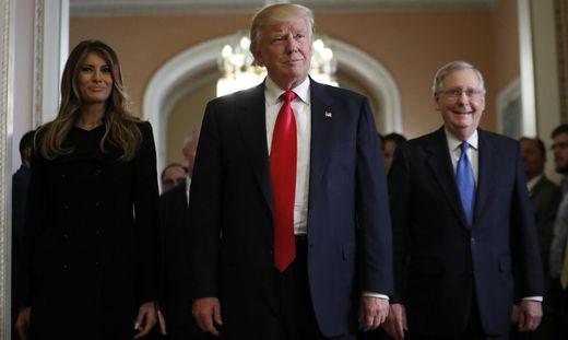 Donald Trump, Melania Turmp, Mitch McConnell
