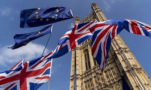 Britische Banken bereiten sich auf den No-Deal-Brexit vor
