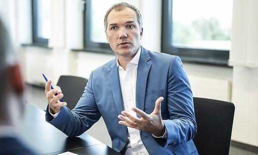 """Horst Leitner leitet die Geschäfte von Hofer in Österreich. """"Sahen 2020 zum ersten Mal, dass uns Umsätze durch fehlende Zustellung entgehen"""""""