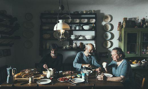 """Stilleben in Slowenien. In diesem alten Bauernhaus in Slowenien haben """"The Base"""" ihr neues Album aufgenommen"""