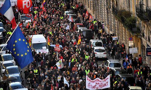 FRANCE-SOCIAL-STRIKE-PENSION-PROTEST