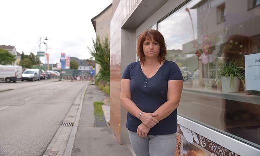 Claudia Kollmann von der Bäckerei Srebre weiß nicht, ob sie ihr Geschäft schließen wird müssen