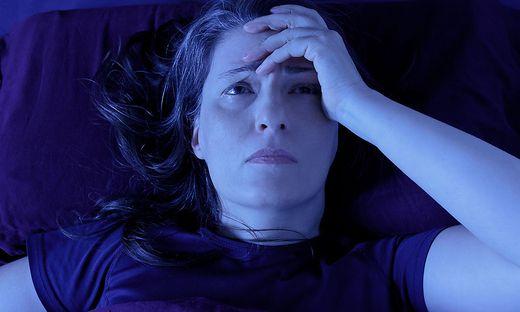 Betroffene leiden meist unter Schlaflosigkeit und Erschöpfung.