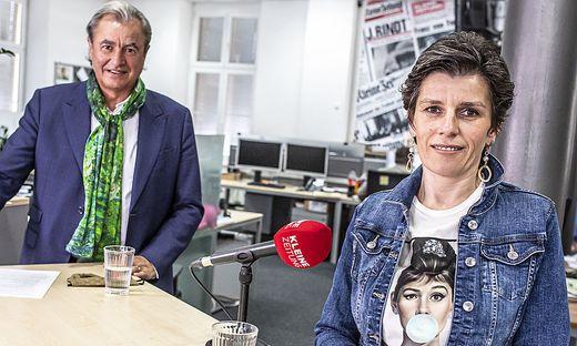 Hoteldirektorin Yasmin Stieber-Koptik im Newsroom der Kleinen Zeitung mit Adolf Winkler