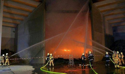 Immer mehr Großbrände bei Müllentsorgern: Akkus als Brandursache.