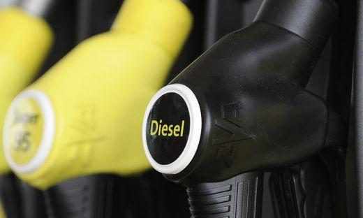Tanken ist in Österreich besonders günstig