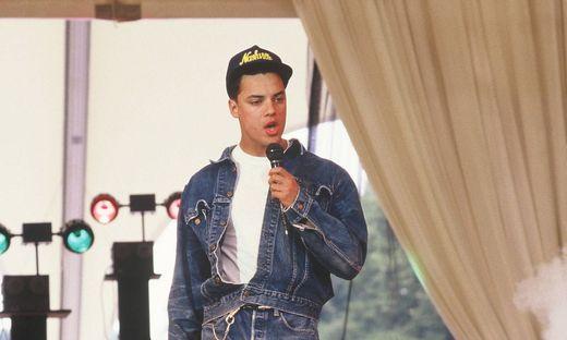 Der Saenger Nick Kamen bei einem TV Auftritt am 24.05.1987 *** The singer Nick Kamen at a TV appearance on 24 05 1987