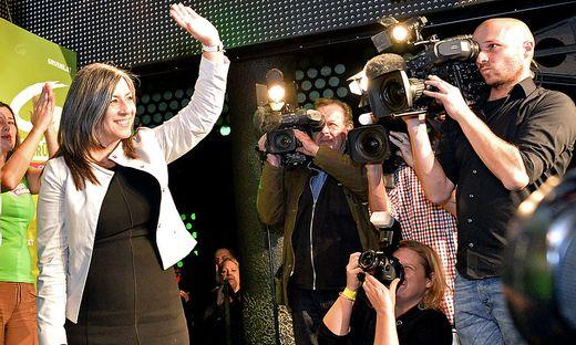 Sie winkt, aber nicht zum Abschied: Grünen-Chefin MAria Vassilakou