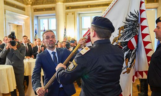 Amtsübergabe an Kickl im Innenministerium
