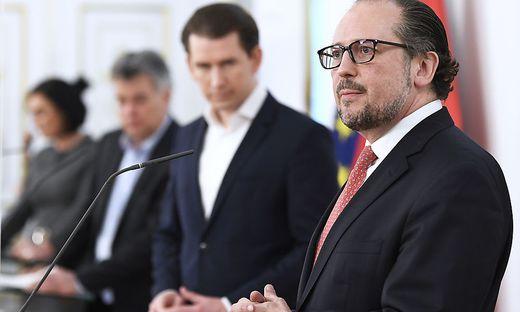 Schallenberg wird heute um 13:00 Uhr als Bundeskanzler angelobt. Kann das die türkis-grüne Koalition retten?