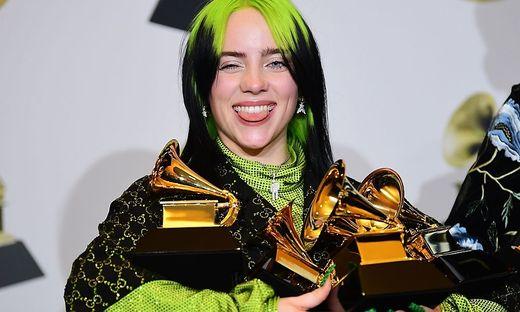 Billie Eilish mit ihren Grammys