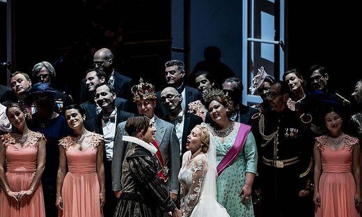 """Eine Szene aus Offenbachs """"Barbe-Bleue"""" an der Oper von Lyon"""