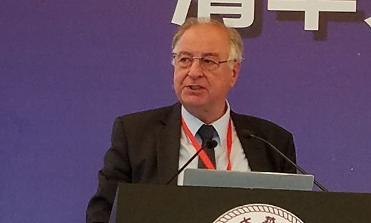 Michael Auer sprach in Tsinghua vor interessierten Zuhörern