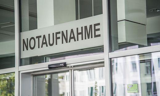 Die verletzte Frau wurde ins Krankenhaus Steyr eingeliefert (Sujetbild)