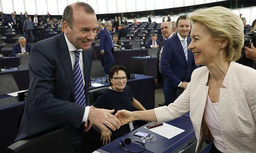 Manfred Weber gratuliert Ursula von der Leyen