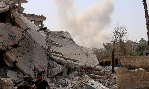 Explosionen erschüttern Stützpunkte in Syrien - doch wer hat die Raketen abgefeuert?