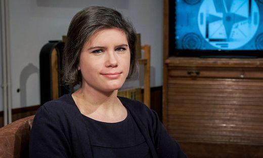 """Ingrid Brodnig: """"Man merkt: Bei Politikerinnen geht es schnell unter die Gürtellinie. Es wird oft nicht unbedingt ihr politisches Schaffen kommentiert, sondern ihr Aussehen, sie werden mit Obszönitäten niedergemacht."""""""