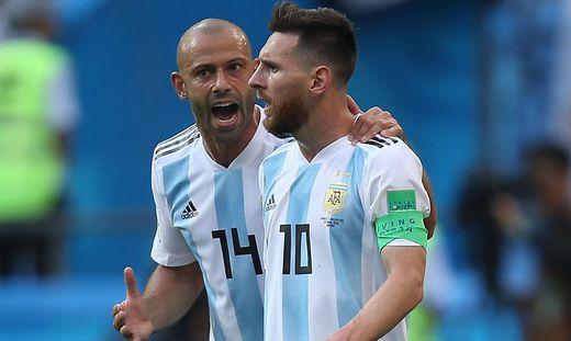 Javier Mascherano (links, hier mit Lionel Messi) beendete seine Karriere