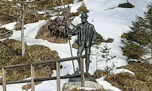 Kaiser Franz Joseph I. jagte auch im Mariazellerland, diese Statue wurde ihm von Arthur Krupp gewidmet