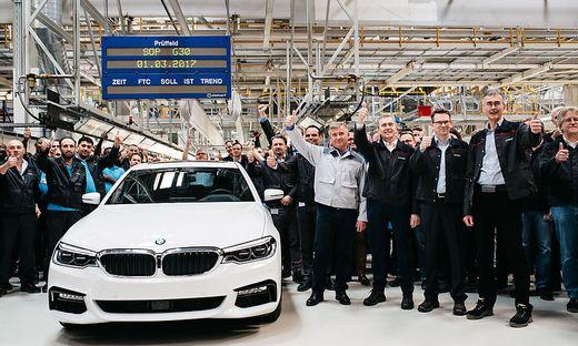 Der erste 5er BMW ist bei Magna in Graz vom band gelaufen
