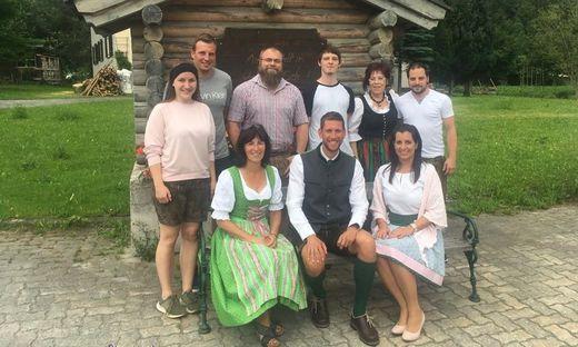Grund zur Freude gibt es bei der SPÖ  in Wald am Schoberpass. Spitzenkandidat Marc Landl (vorne Mitte) und sein Team legten um fast 20 Prozentpunkte zu