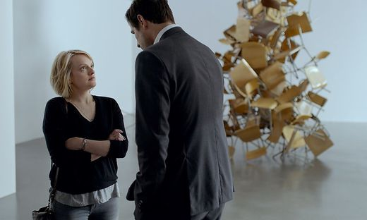"""Rededuelle über Sex: Elsiabeth Moss und Claes Bang in """"The Square"""""""
