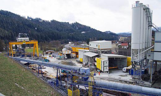"""Beim """"Zwischenangriff"""" Grautschenhof in Spital am Semmering verschwand Material und Diesel im Wert von knapp zwei Millionen Euro"""