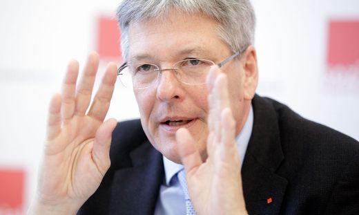 PK BUNDESMINISTERIUM F�R ARBEIT, SOZIALES UND KONSUMENTENSCHUTZ ´FAHRPLAN F�R DIE AKTION 20.000´: KAISER