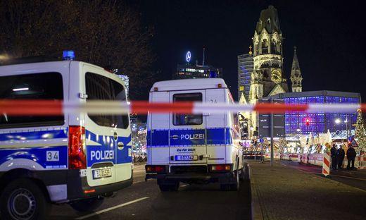 Polizeieinsatz am Berliner Weihnachtsmarkt Samstagabend