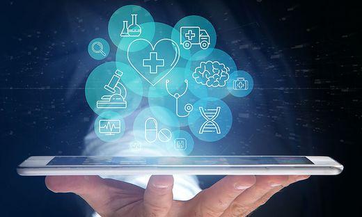 Ein Tablet-Computer, dem man seine aktuellen Blutdruckwerte erzählt: So stellen sich die Forscher den Gesundheitsassistenten der Zukunft vor