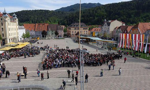 Der Sternmarsch zum Brucker Hauptplatz war einer der Höhepunkte des dreitägigen Jubiläumsfests
