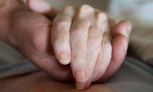 Betreuung Sterbender in Pflegeheimen verbessern