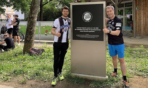 Auch Präsident Christian Jauk und Sohn Jörg feierten die Geburtsstunde des SK Sturm im Augarten vom 1. Mai 1909