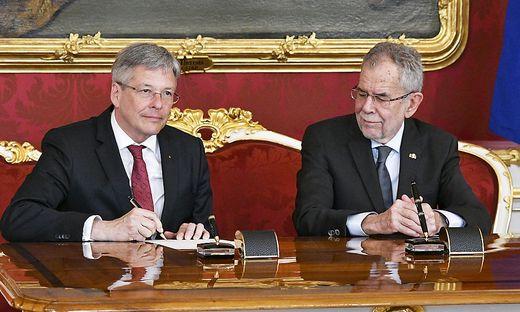 Kaiser und Van der Bellen in der Hofburg