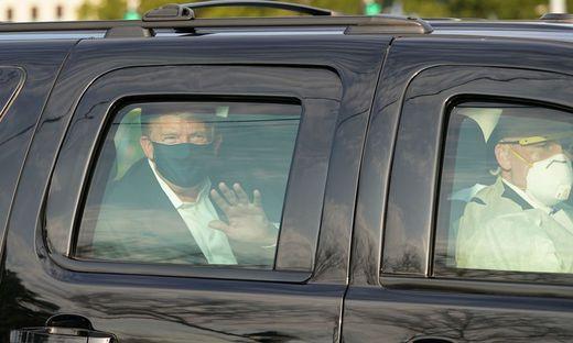 Donald Trump bei seiner Ausfahrt am Sonntag in Bethesda