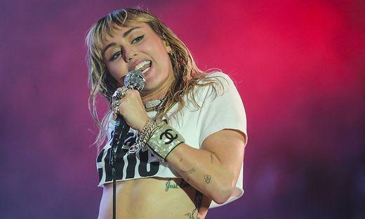 Auch ein Hannah-Montana-Dress von Miley Cyrus wird versteigert