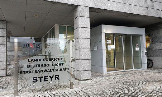 Hochverrats-Prozess in Steyr gegen Staatsverweigerer gestartet